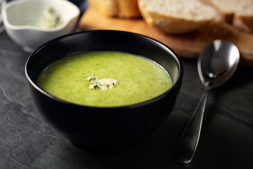 30 perces, krémes, sajtos brokkolileves: tejszínnel még selymesebb