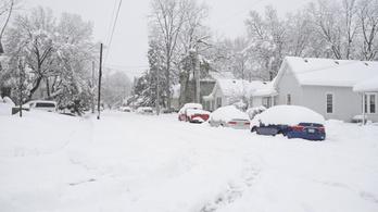 Már az Egyesült Államok keleti partvidékeit is ellepte a hó