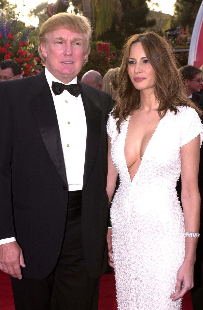 Melania Trump régen számtalan alkalommal megmutatta dekoltázsát, ma már, first lady-ként ezt nem tehetné meg.