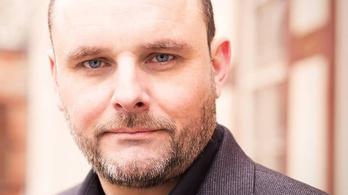 Szélsőjobbos német újságíró utasított a kárpátaljai magyar központ felgyújtására