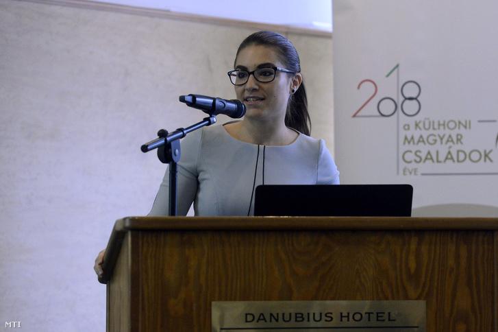 Illés Boglárka, az Emberi Erőforrások Minisztériumának (Emmi) ifjúságpolitikáért és esélyteremtésért felelős helyettes államtitkára