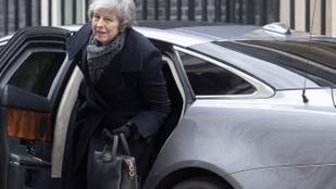 Újból nekifutnak a sorsdöntő brexit-szavazásnak a britek