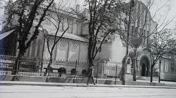 Mini Hősök tere és Nemzeti Szalon épül az Erzsébet térre