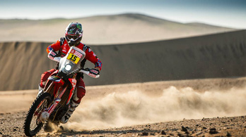 Egyre stabilabban vezeti a Honda a Dakart