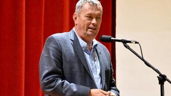 Egy költségvetési csalási ügyben, bűnsegédként áll bíróság elé Pécsvárad polgármestere