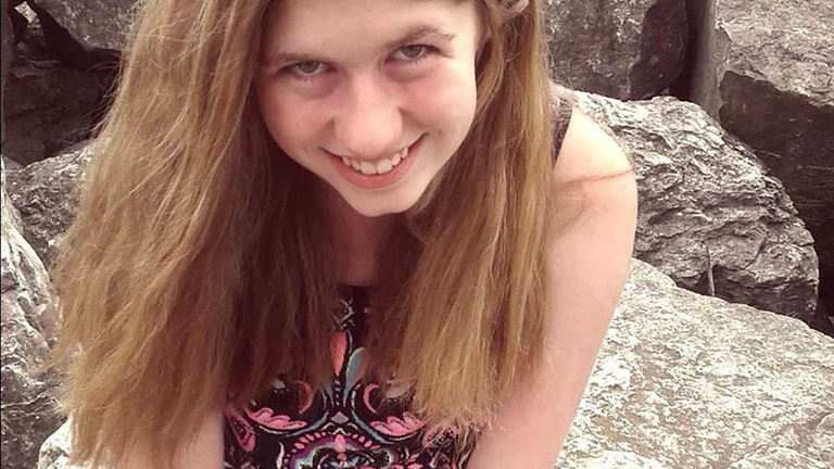 Meglátta a 13 éves lányt, azonnal halálos tervet szőtt az elrablására