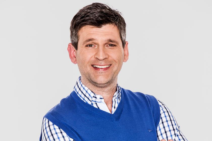 A TV2 műsorvezetőjét meg akarták verni amiatt, amit élő adásban mondott