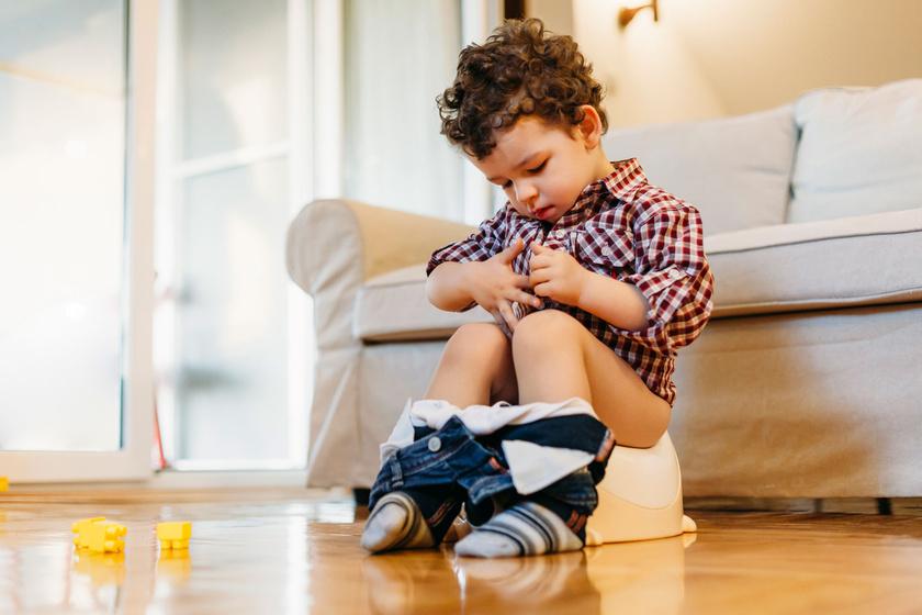 Szobatisztaság: mikortól érdemes próbálkozni a bilivel?