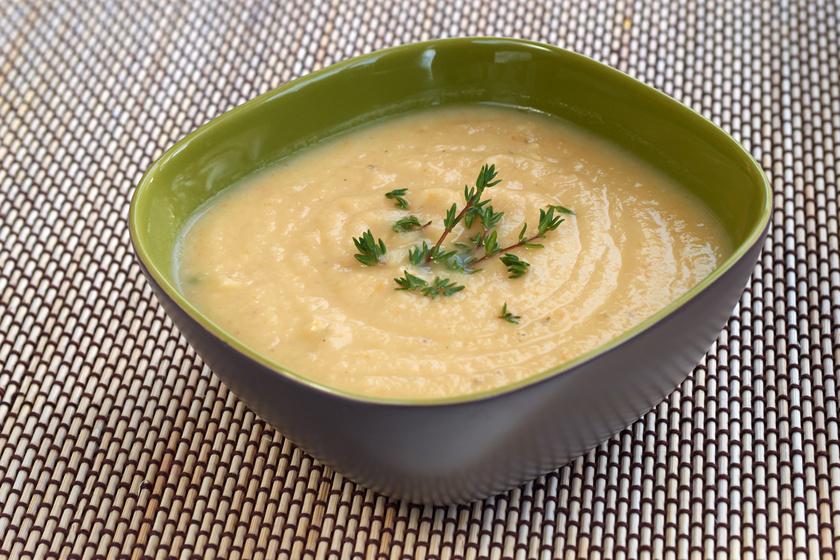 Selymes és lágy, körtés zellerkrémleves: tejszínnel sűrítve a legfinomabb