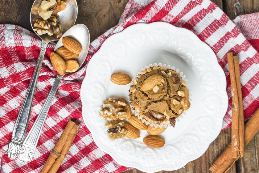 Napokig friss, diós, mandulás muffin: ez a süti mindig fantasztikusan sikerül