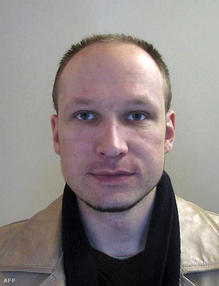 Breivik egy  2009-es fotón