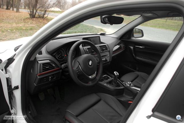A vezető felé fordított középkonzol a BMW egyik legjobb ötlete