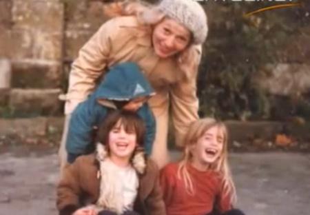 Valeska Paris gyerekként a családjával