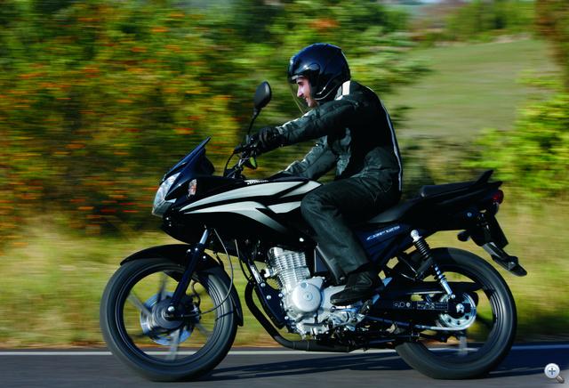 Nagyon könnyen vezethető és rendkívül olcsón fenntartható a 125 köbcentis motor