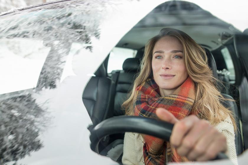 Sokan azt hiszik, biztonságosan autóznak, pedig nem: aggasztó a felmérés eredménye