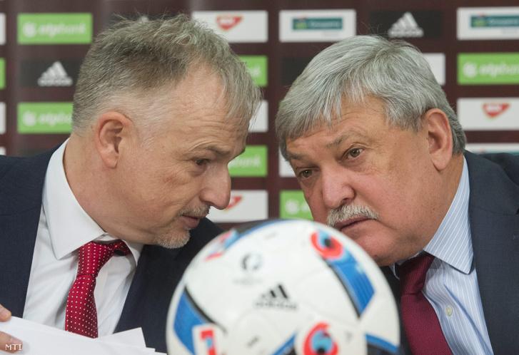 Hernádi Zsolt, a Mol-csoport elnök-vezérigazgatója (b) és Csányi Sándor, a Magyar Labdarúgó Szövetség (MLSZ) elnöke 2016. január 13-án. A Mol a társasági nyereségadón (TAO) keresztül 2 milliárd forinttal segítette a magyar labdarúgást.
