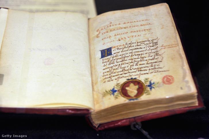 A fejedelem kézirata a Biblioteca Nazionale Centrale di Firenze kiállításán 2013 decemberében