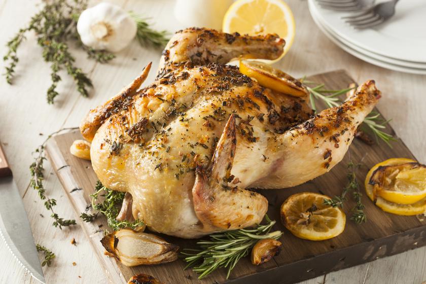 Egészben sült, fokhagymás, citromos csirke: mit csinálj, hogy ne száradjon ki?