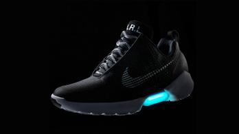 Önbefűző cipőt fejlesztett a Nike
