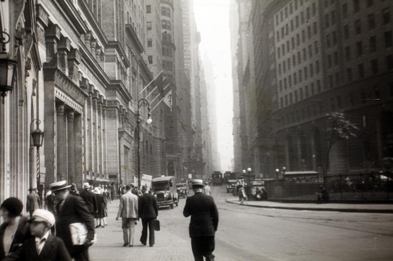 New York-i utcakép, az akkortájt magyar szemmel nézve még igen szokatlan felhőkarcolókkal.