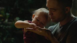 Robert Pattinson az űrben nevel gyereket