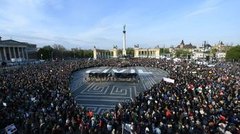 Nagy eséllyel elmeszeli Brüsszel a magyar civiltörvényt