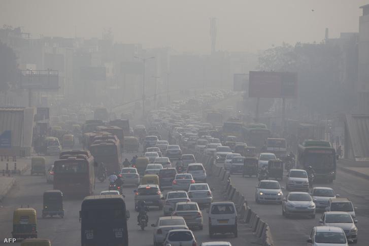 Légszennyezettség Újdelhiben, Indiában 2018. december 6-án