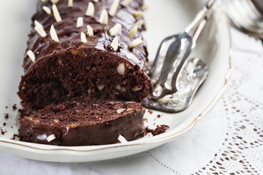 Pihe-puha, mandulás-csokis kevert süti: bögrével is kimérheted a hozzávalókat