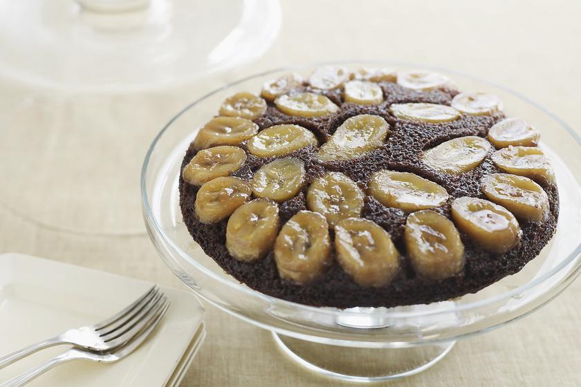 Fordított, csokis-banános torta: egyszerű, látványos és ellenállhatatlan