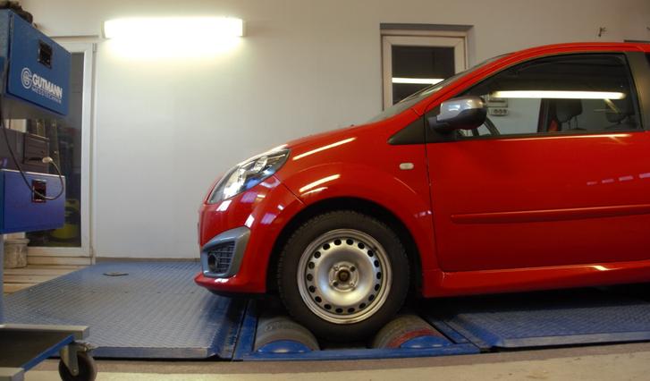 Totalcar - Magazin - Erőmérő: Renault Twingo RS 1 6 16V 2010