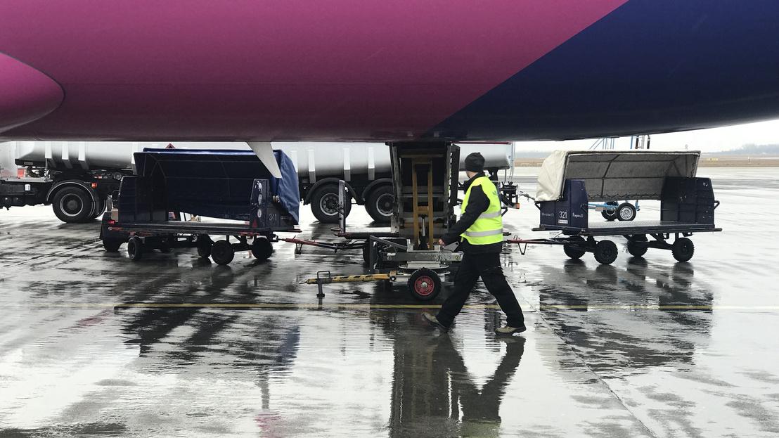 6589c0aeb5d3 Index - Gazdaság - Suttyomban árat emelt a Wizz Air és a Ryanair
