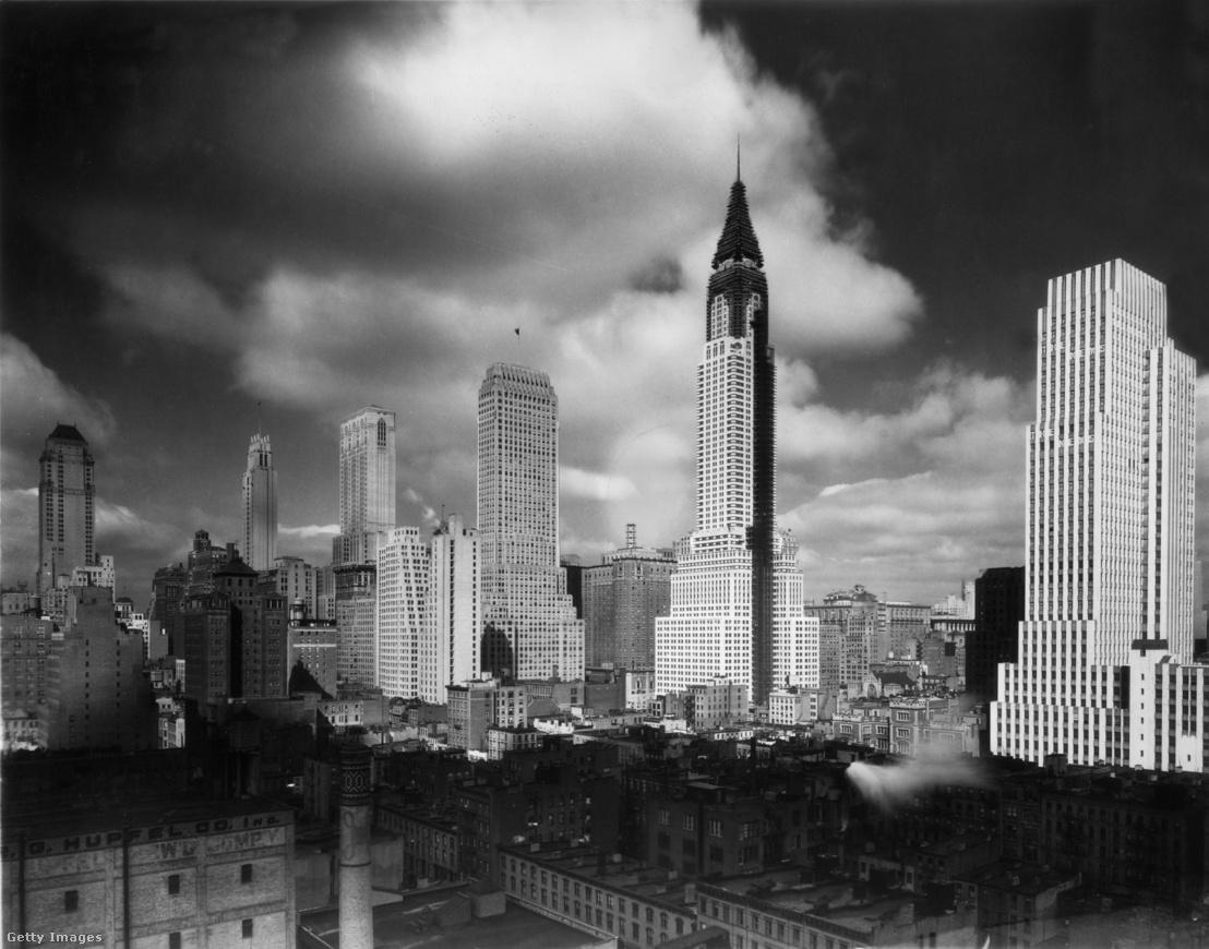 A Chrysler Building 1929-ben, az építkezés közben