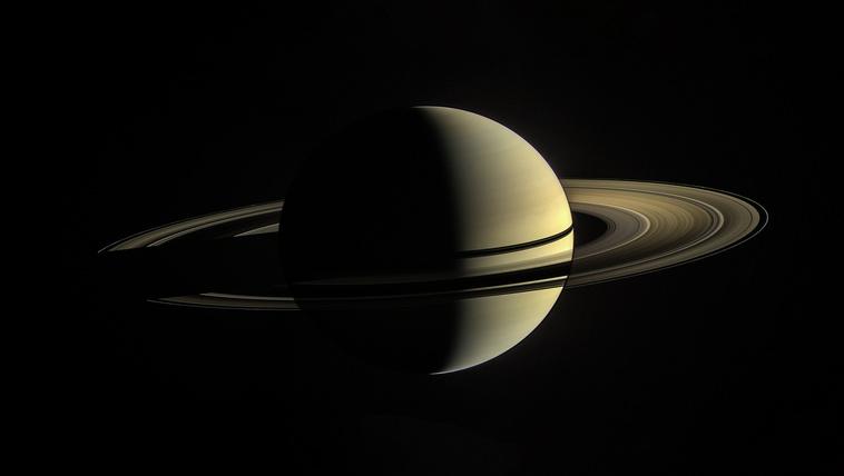 Pofátlanul fiatalok a Szaturnusz gyűrűi