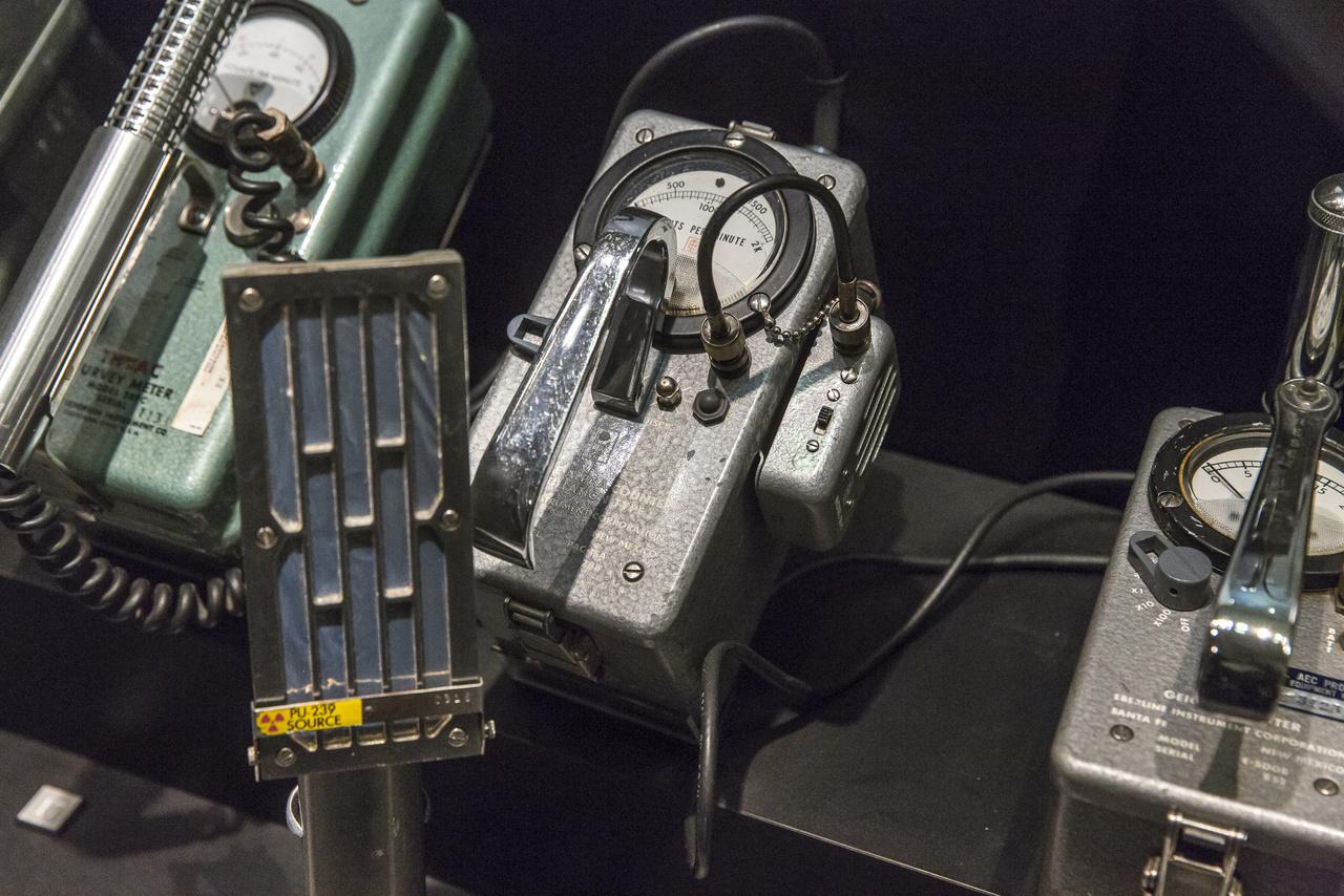 A múzeumnak csodálatos gyűjteménye van különféle sugárzásdetektorokból, ez itt egy Eberline alfasugárzás-mérő a hatvanas, hetvenes évekből.