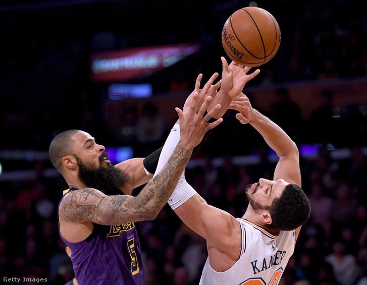 Enes Kanter és Tyson Chandler a New York Knicks - Los Angeles Lakers meccsen 2019. január 4-én.