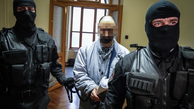 Ahmed H. idegenrendészeti őrizetbe került, amint elkészülnek a papírjai, felteszik egy gépre