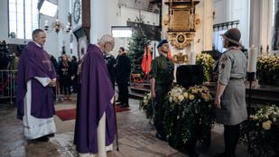 Tömegek búcsúztatták a meggyilkolt gdański polgármestert