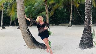 Liptai Claudia szerény körülmények között töltött gyerekkoráról posztolt a pálmafák alól