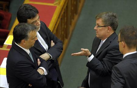 Orbán, Matolcsy és Fellegi a parlamentben