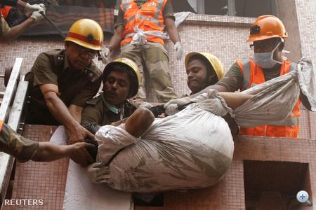 A mentők még csak most derítik fel a kórház felső szintjeit, így elképzelhető, hogy az áldozatok száma nőni fog.