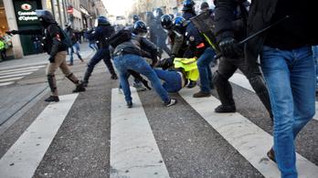 Tizedszer is utcára vonultak a francia sárgamellényesek