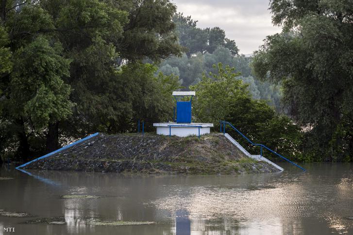 A Duna Menti Regionális Vízmű Zrt. (DMRV) egyik telephelye Dunabogdányban 2013. június 6-án.