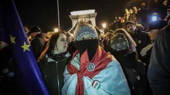 Szombaton az történt, hogy kevés ember tüntetett sok helyen