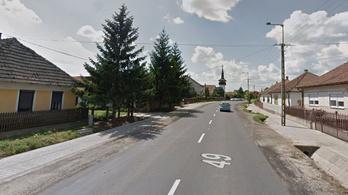 Kerítésnek hajtott egy busz Szabolcsban