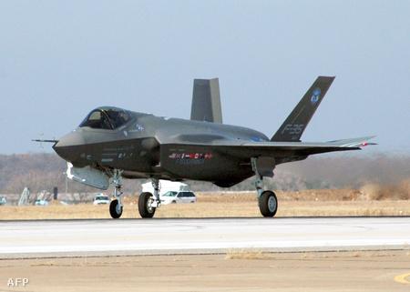 A Lockheed Martin F35-ös gépének első teszt repülése 2006 decemberében