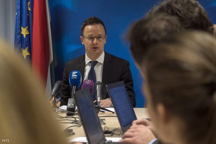 Szijjártó Péter sajtótájékoztatója Brüsszelben 2019. január 21-én