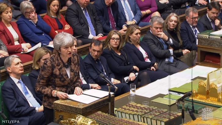 Videófelvételről készült kép Theresa May brit miniszterelnökről, amint a parlament alsóháza elé terjeszti állásfoglalását és új cselekvési tervét a brit EU-tagság megszűnésével (Brexit) kapcsolatban 2019. január 21-én.