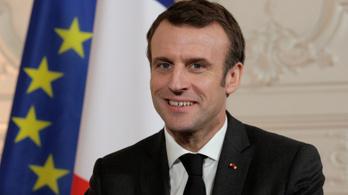 Macron nem akar XVI. Lajos sorsára jutni