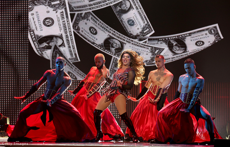 És Shangela performanszának egyik fotójával búcsúzunk