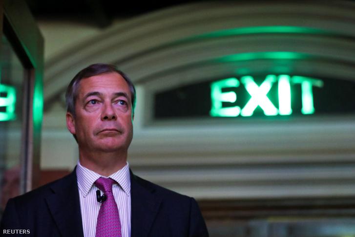 """Nigel Farage, érkezik a """"Kilépés az kilépést jelent"""" gyűlésre 2019. január 17-én, Londonban"""